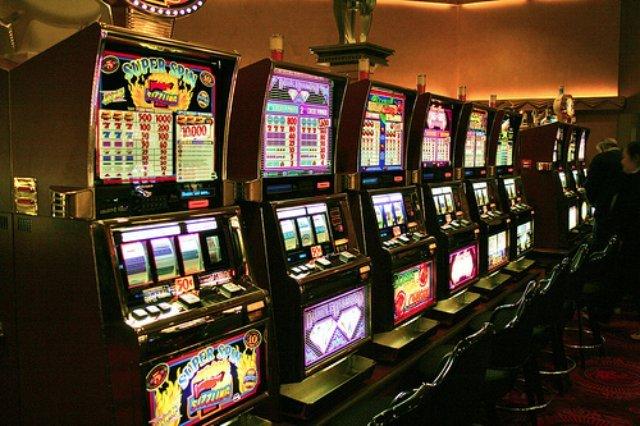 Обзор онлайн казино Космолот