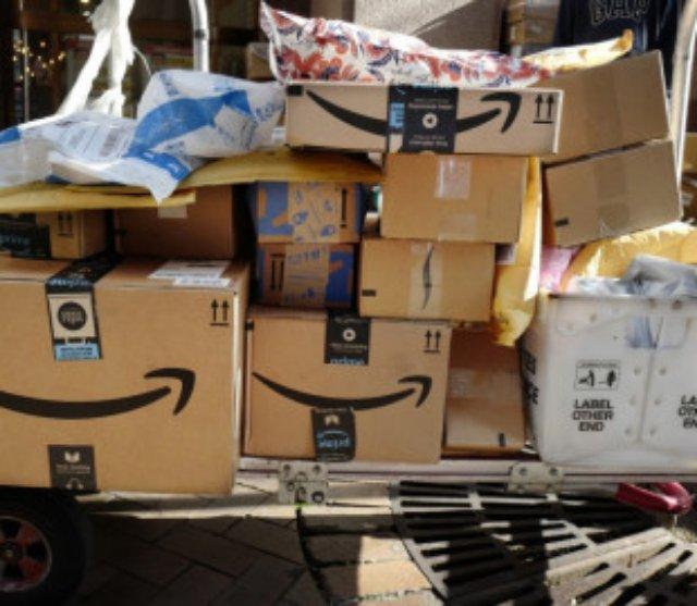 Amazon сократила более 1200 сотрудников службы доставки