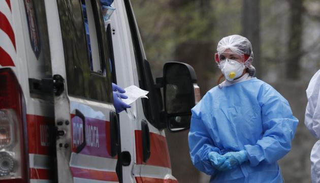 В Украине госпитализированы почти 8000 больных с коронавирусом