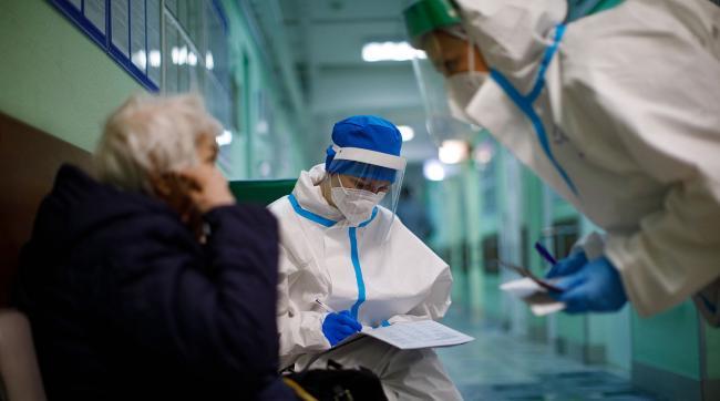 В России зафиксировали новый рекорд по приросту больных COVID-19 за сутки