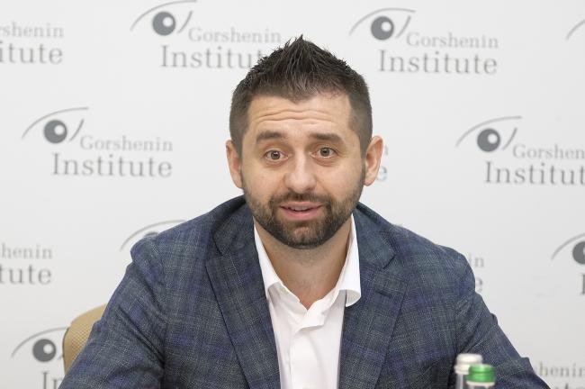 Арахамия опроверг возможность коалиции Слуги народа с ОПЗЖ