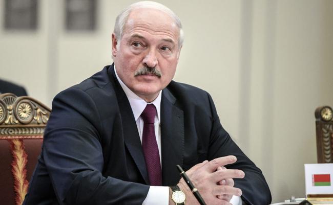 В Беларуси никакой революцией не пахнет - Лукашенко