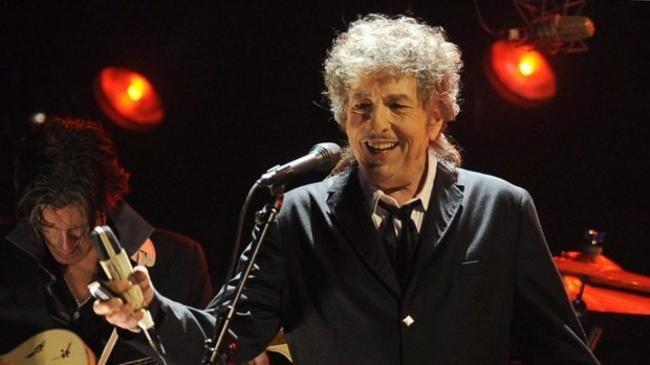 Боб Дилан продал Universal права на все свои песни, которые он написал за 60 лет