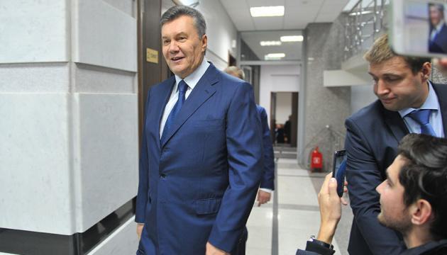 Расстрелы на Майдане: суд отложил избрание меры пресечения Януковичу