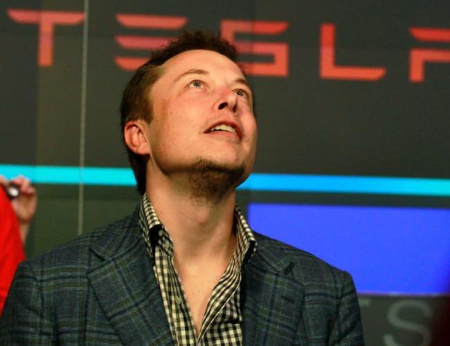 Маск рассказал, как однажды предлагал Apple купить компанию Tesla