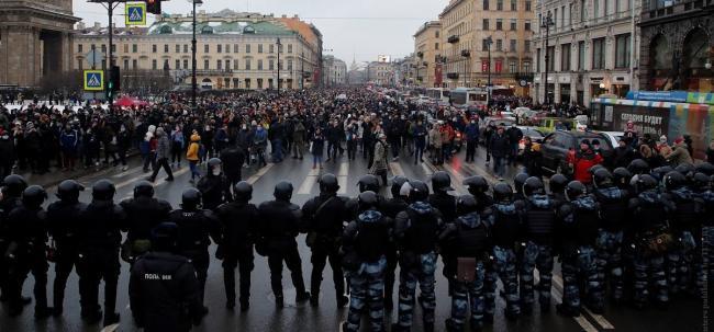 В Кремле прокомментировали массовые акции протеста, которые прошли по всей России