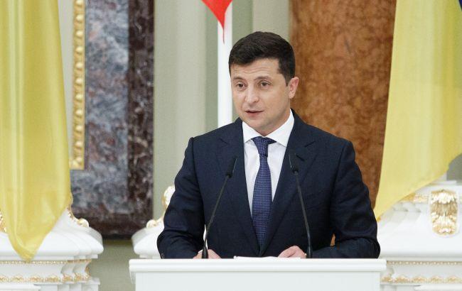 Уровень доверия украинцев к Зеленскому продолжает падать, - опрос